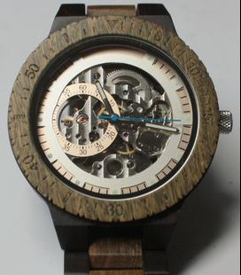 Houten Horloge met Mechanisch Uurwerk