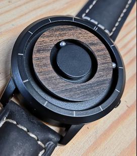 Eutour Design magnetisch horloge
