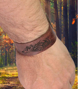 Armband met wolf-tribal