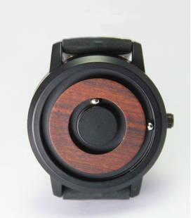 Design magnetisch horloge